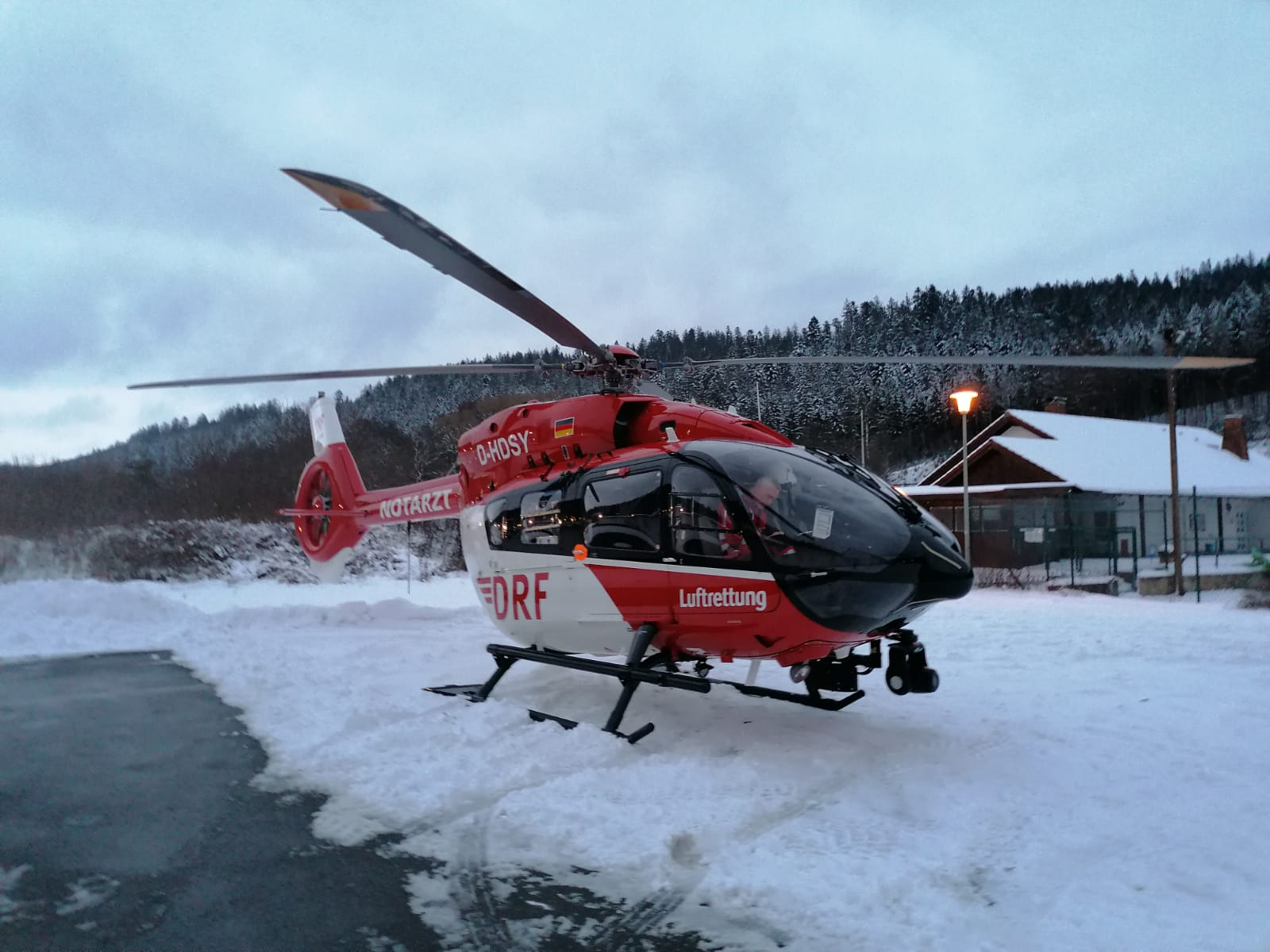 You are currently viewing THL Ausleuchten – Hubschrauberlandung